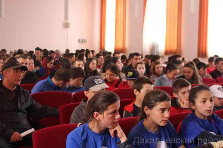 С выпускниками образовательных учреждений района провели профориентационную работу.