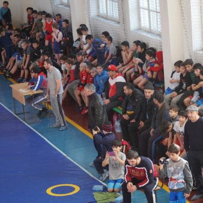 В Дахадаевском районе провели открытое первенство по вольной борьбе