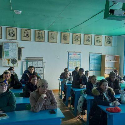 До ухода на весенние каникулы, школьникам в Дахадаевском районе разъяснили меры по борьбе с короновирусом