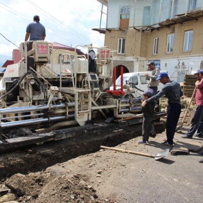 В селении Уркарах Дахадаевского района идет ремонт улицы А. Алиева