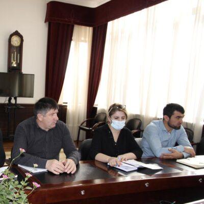Совещание по вопросам обеспечения безопасности населения в период ухудшения погоды прошло в Дахадаевском районе