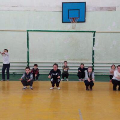 К акции «Зарядка под защитой» присоединились школьники Дахадаевского района