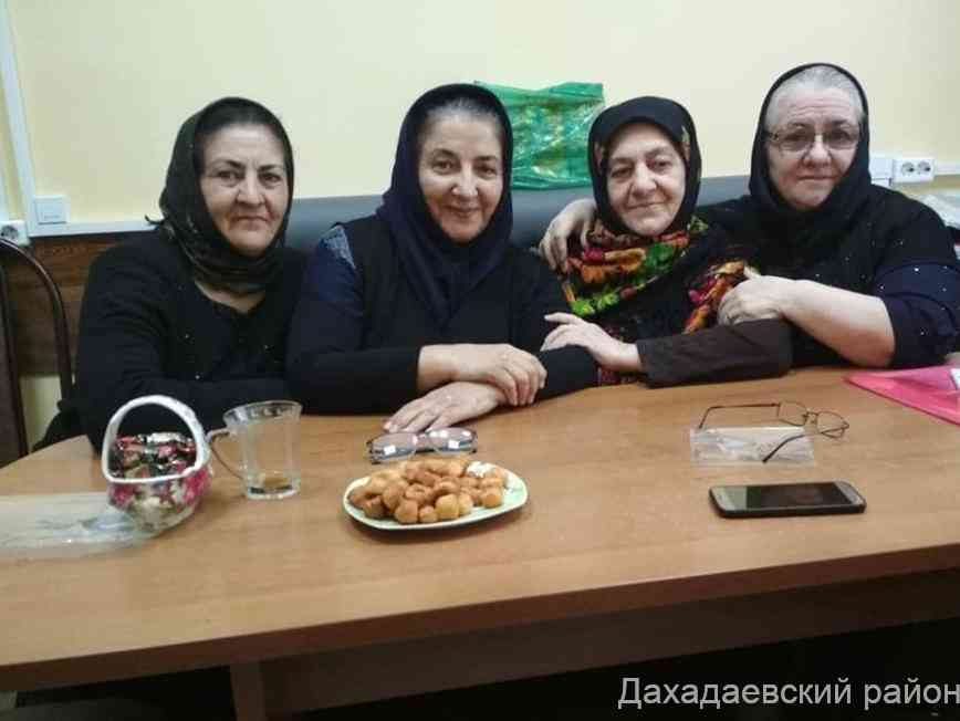 Встреча с поэтессой Аминат Гапизовой прошла в Дахадаевском районе