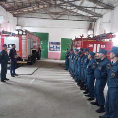 Сотрудников пожарно-спасательной части №44 села Уркарах поздравили с профессиональным праздником