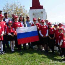 Джарулла Омаров возложил цветы к памятнику боевой славы в селении Кудагу