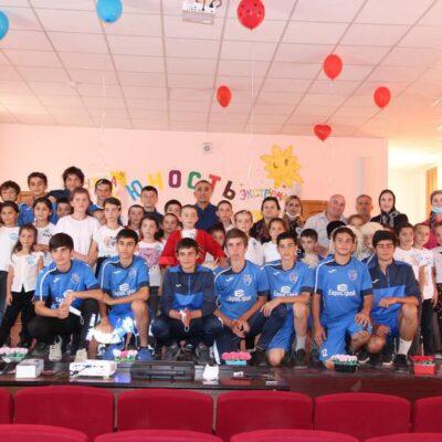 В Дахадаевском районе прошло торжественное открытие пришкольного лагеря «Юность»
